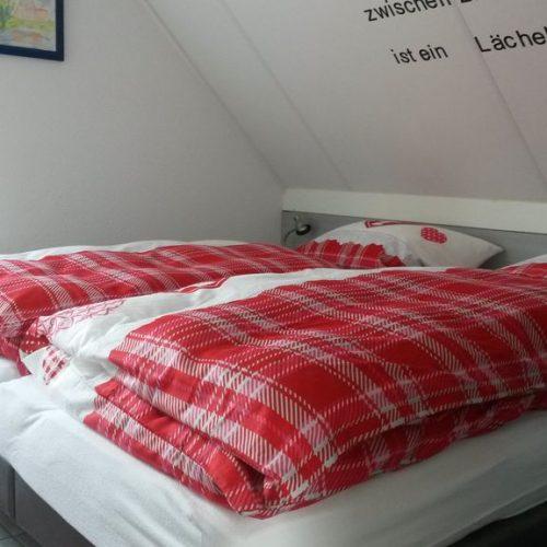Schlafzimmer mit Blick zum Steg