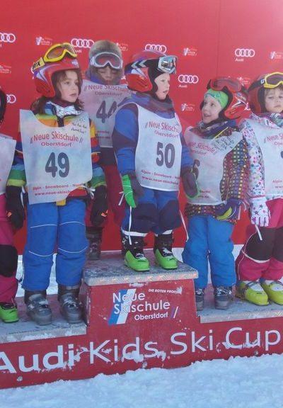 Siegerehrung nach dem Skikurs - ein tolles Erlebnis fuer die Kleinen
