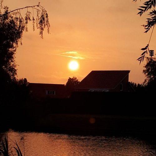 Sonnenuntergang am Steg
